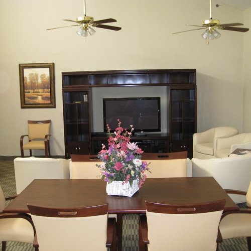 De Palma Terrace Senior Living - Photo 7 of 8