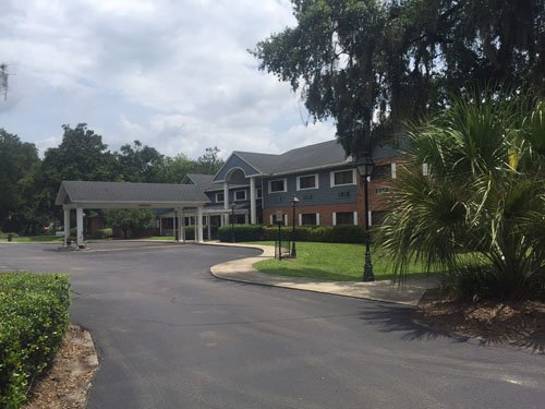 Plantation Oaks Senior Living - Photo 0 of 6
