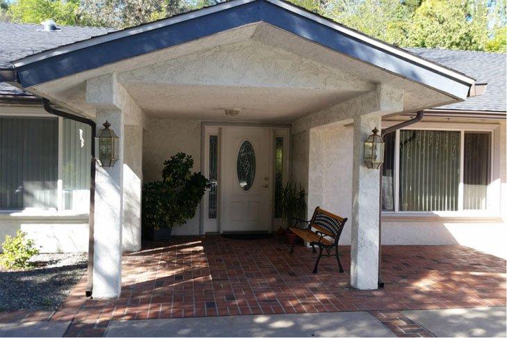 Villa Mulholland - Woodland Hills, CA