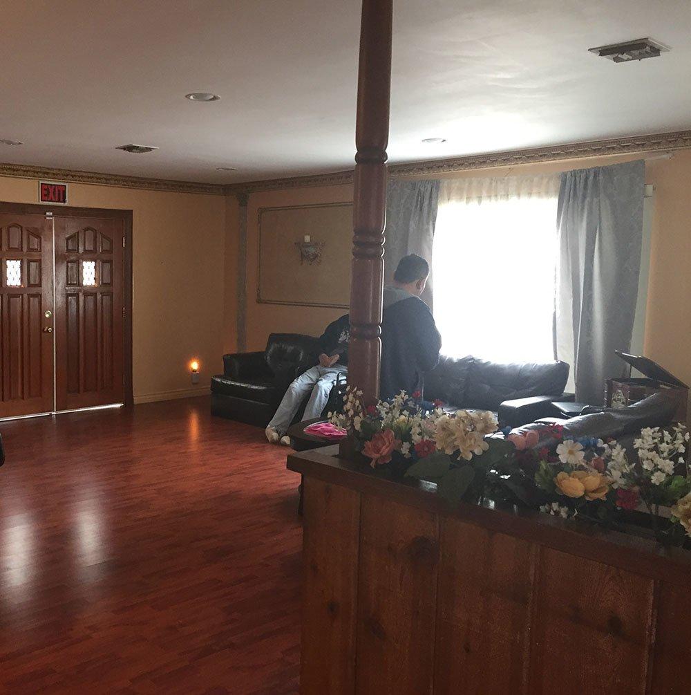 Royal Senior Living 2 - Tarzana, CA