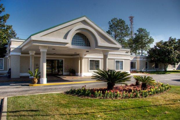 Grand Blvd Health & Rehabilitation Center - Photo 0 of 1