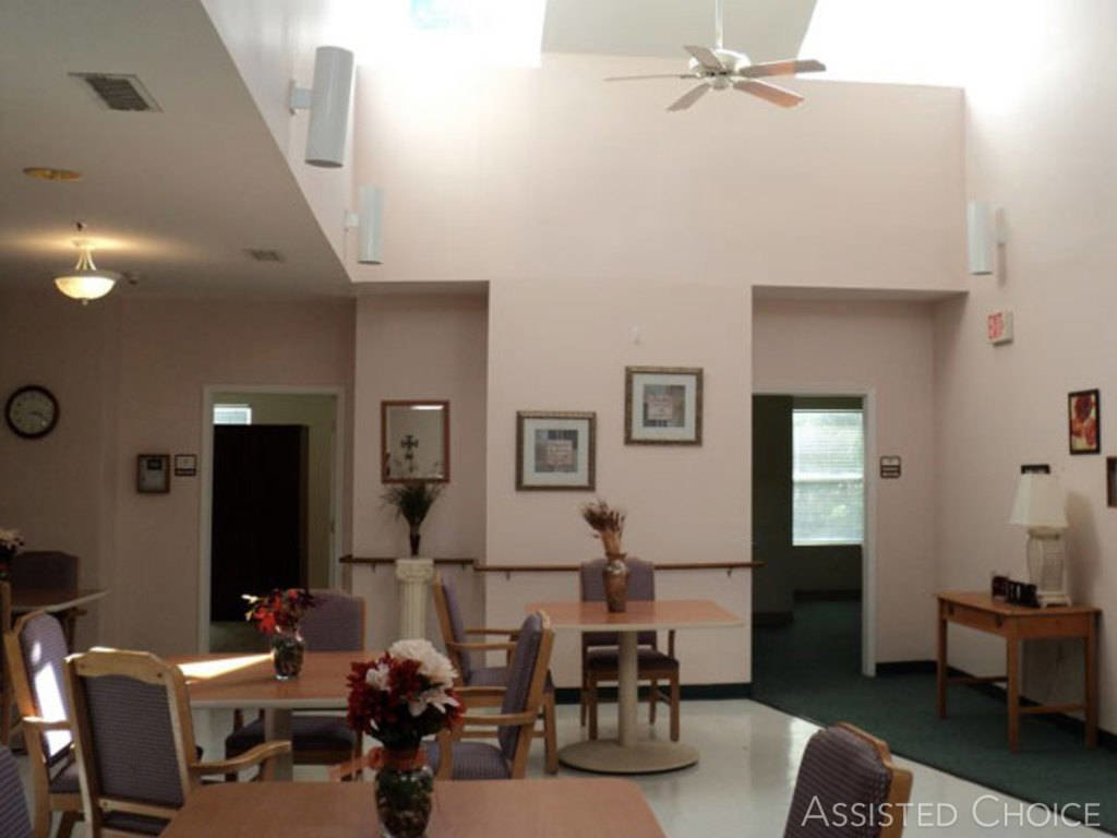 Governor's Glen Assisted Living - Photo 5 of 7