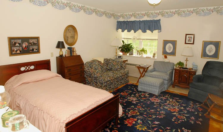 Broadmore Senior Living at York - Photo 4 of 8